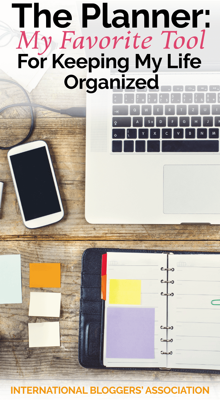 Are you looking for a way to stay organized this year? Read how even though I love technology, I find how I am not organized without my personal planner!